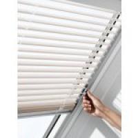 FAKRO AJP I 05 78 X 98 cm žaluzie pro střešní okno bílá